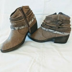 NEW Women's SO® Celery Ankle Boots Shoes size 6